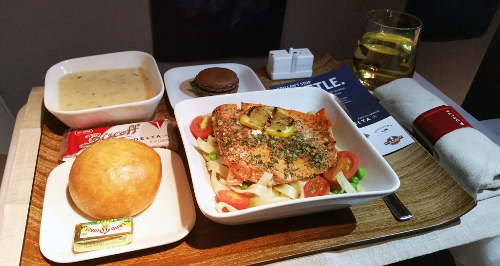 Airlines Food: All You Need To Know About In-Flight Meals