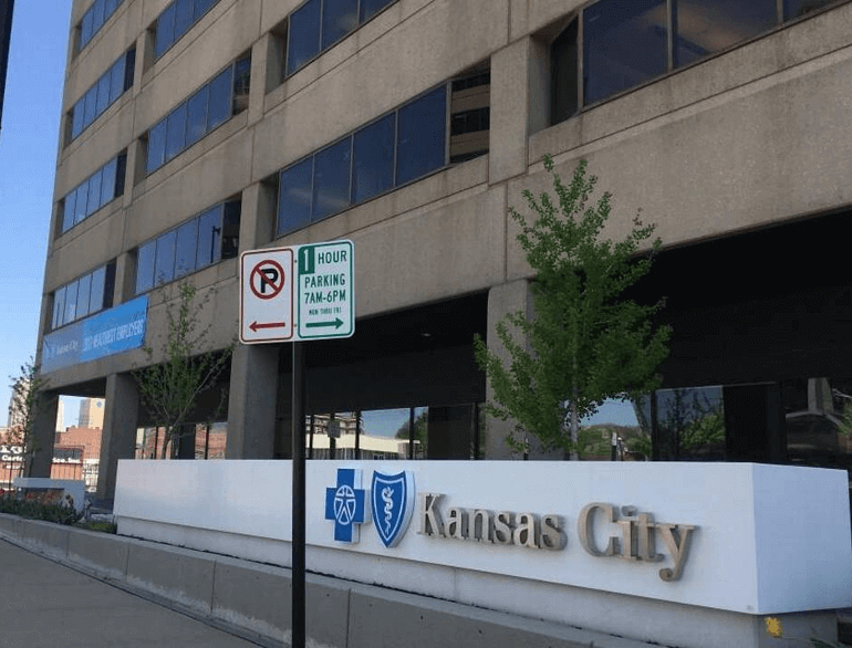 kansas city airport garage parking default