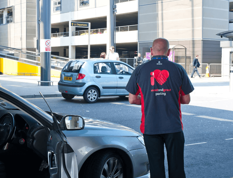 I Love Meet and Greet Gatwick airport parking logo2