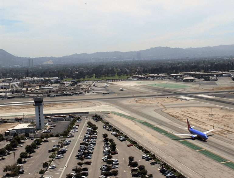 los angeles economy airport parking lot c logo1